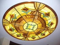 применение витражей для украшения потолка