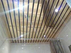 выбор вариантов отделки потолка в ванне