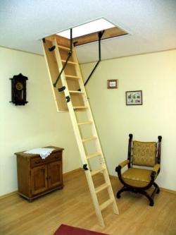 Чердачный люк с лестницей и его достоинства