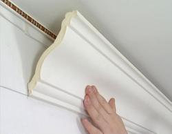 клеим потолочный плинтус - инструкция