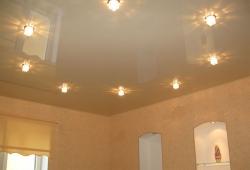 Недорогие потолки натяжные