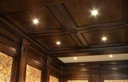потолки из деревянных панелей и их особенности