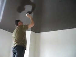 какого ухода требуют глянцевые натяжные потолки